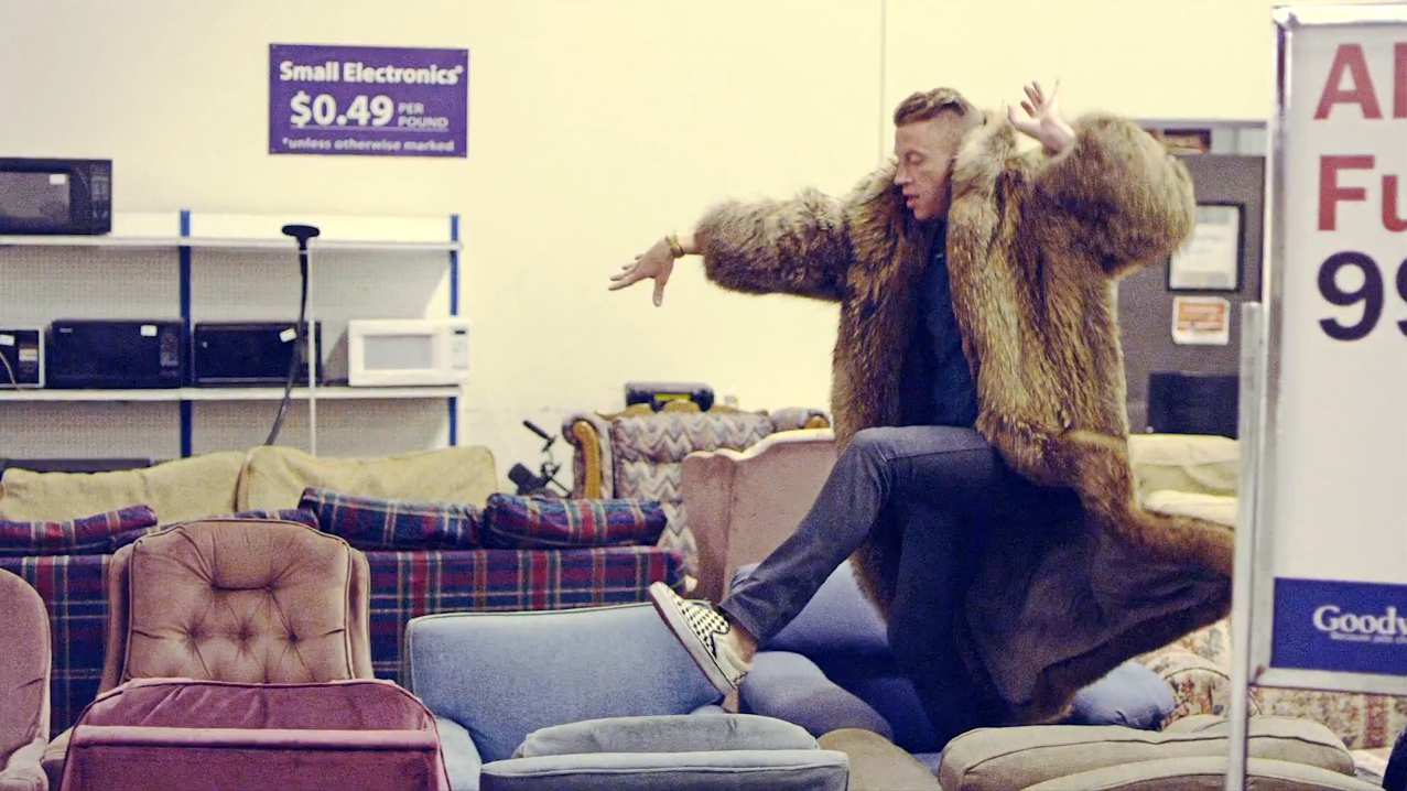 macklemore-sofa-jumping