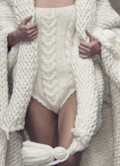 knitted leotard, chunky, thick, knitting, chunky knit